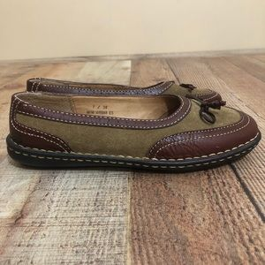 Born Handcrafted Leather Flats Slip on W6568 Brown